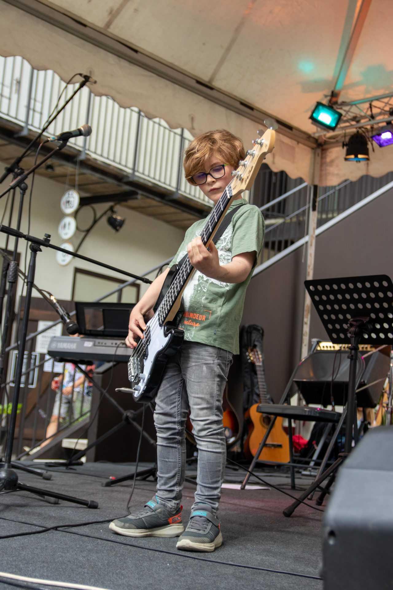 bas kitara poučevanje