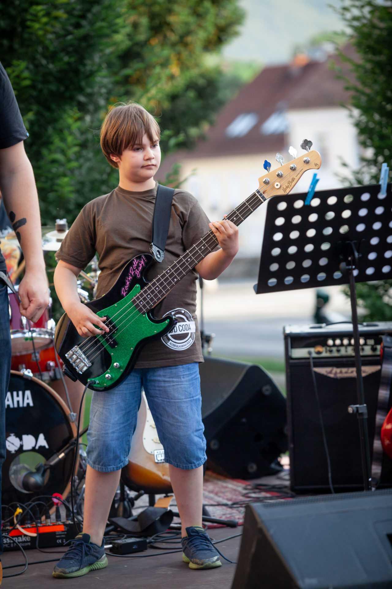 poučevanje bas kitare kud coda