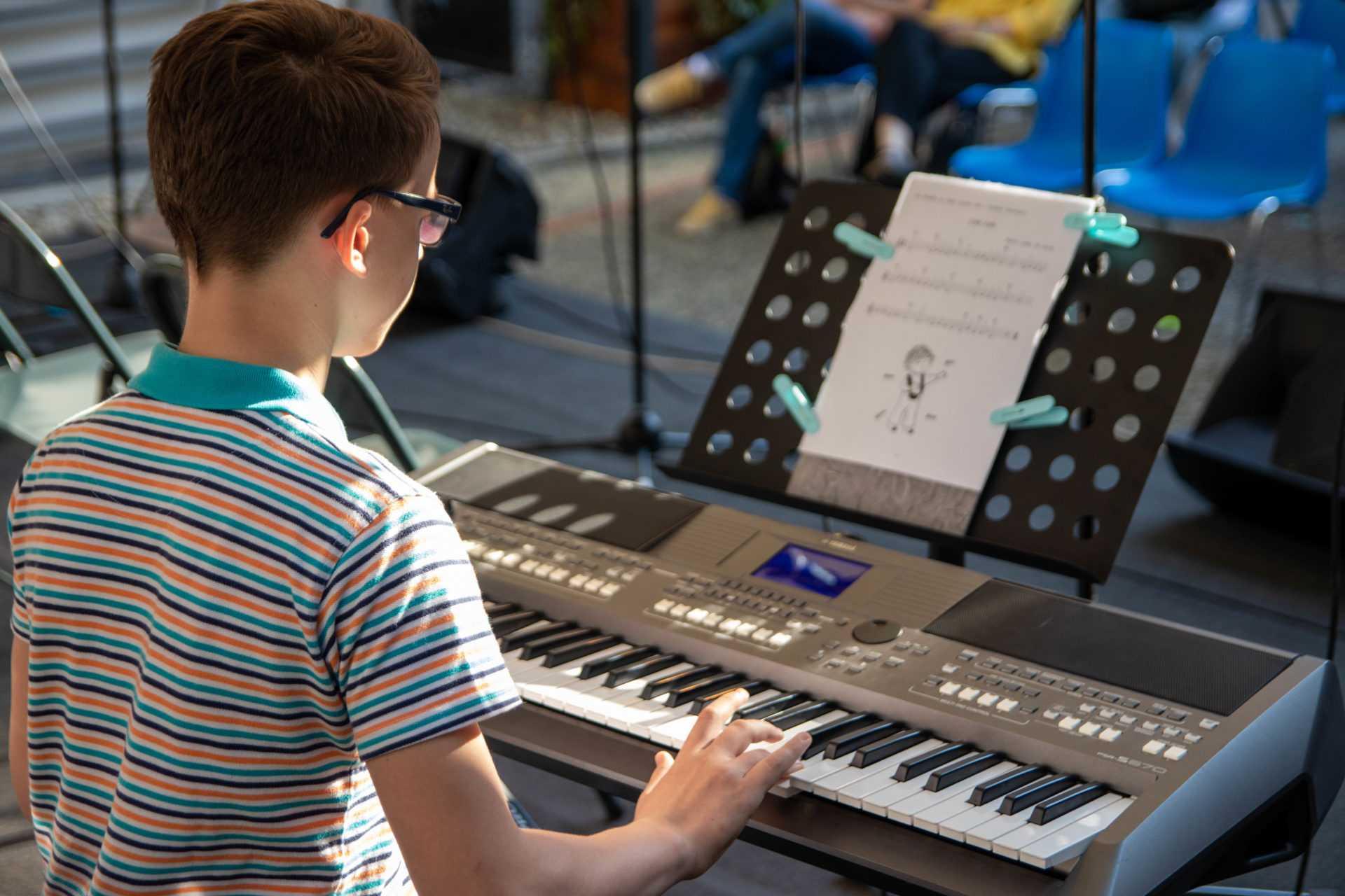 poučevanje elektronskih orgel kud coda