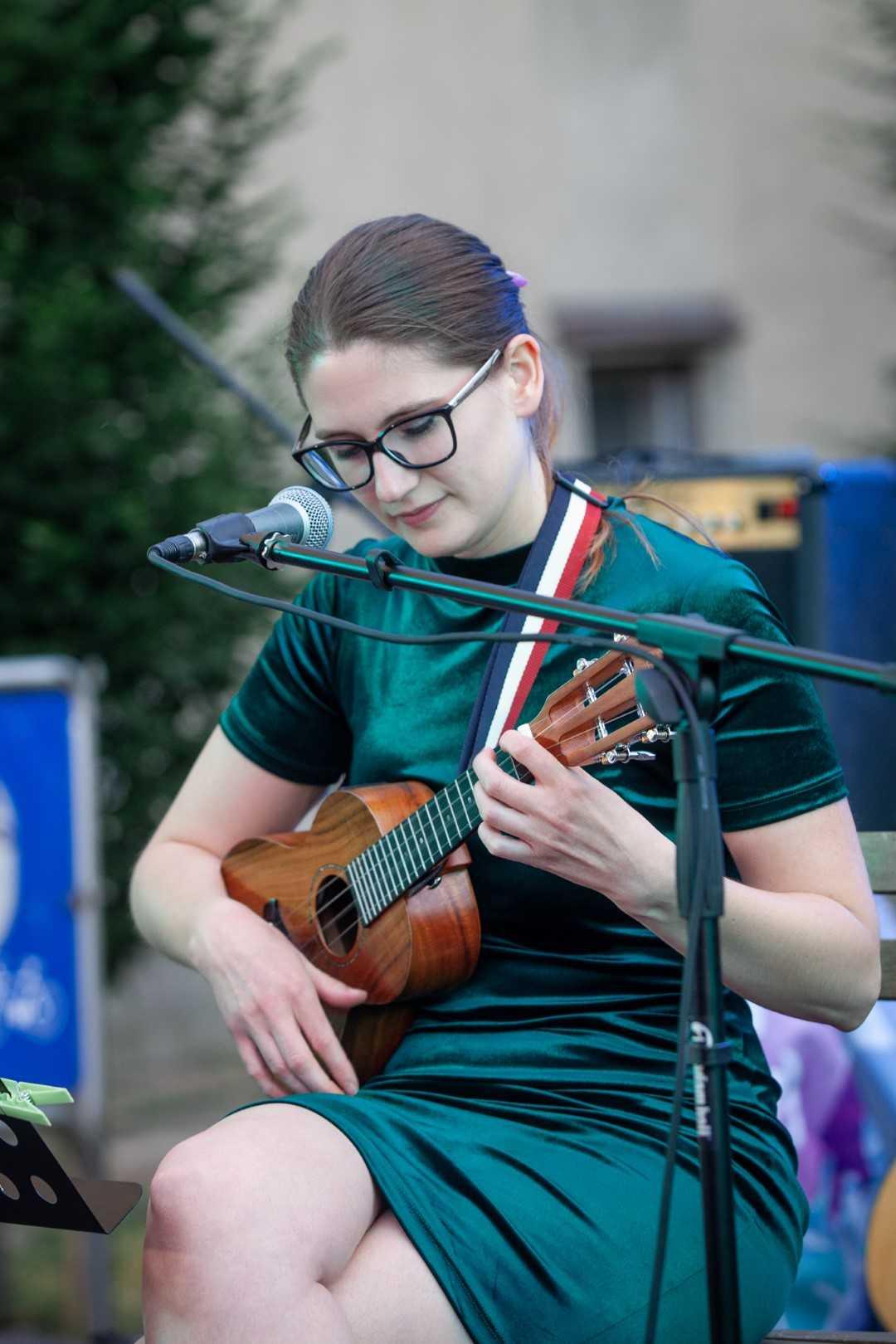 učenje ukulele